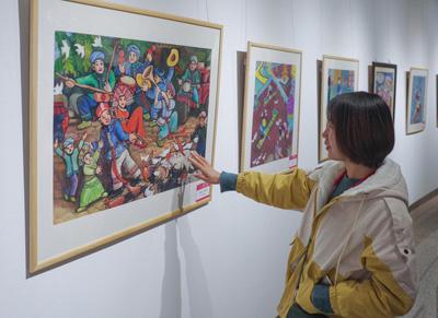 北京:百余幅广西靖西壮族农民画展出