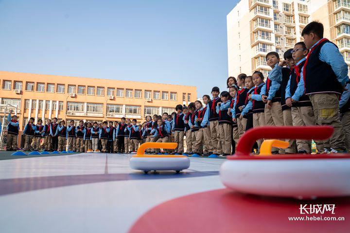 河北省:2019至2020雪季力争实现1700万人参与冰雪运动