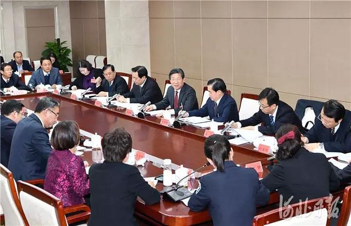 王东峰与部分人大代表座谈时强调<br>坚定不移坚持和完善人民代表大会制度<br>为推进治理体系和治理能力现代化作出新贡献