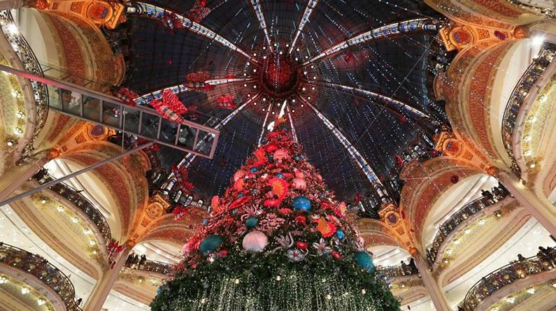 """巴黎:""""老佛爷""""的圣诞树"""