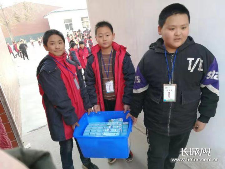 君乐宝举行学生营养餐标准校开放日活动