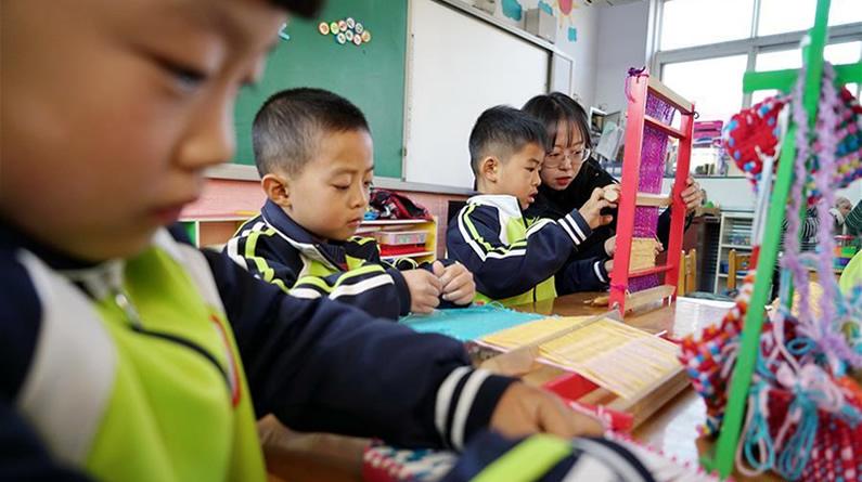 河北滦州:特色教育进校园