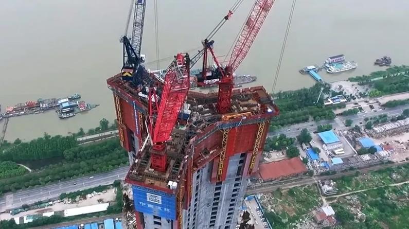 """修得快、爬得高……中国""""造楼神器""""看呆海外网友"""