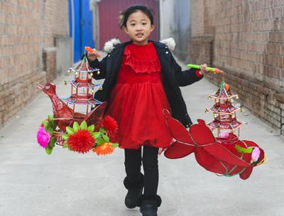 河北永清:扎燈籠 迎新年