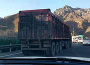 太行高速涞源段堵车严重