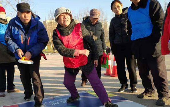 """在廊坊遇上各路""""高手"""" 河北省首届冰雪运动会展示组推广活动走进廊坊丹凤公园"""