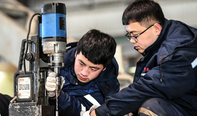"""迁安:壮大装备制造产业钢铁产业""""量减值增"""""""