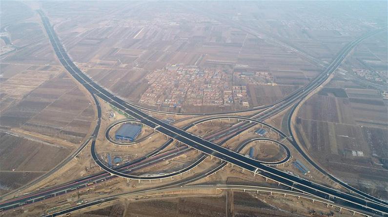 北京大兴国际机场北线高速公路廊坊段主体收工