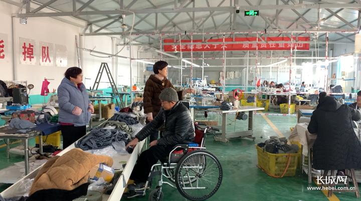 【为贫困地区送年货】行唐县残疾人双创园:想多接些订单,让残疾朋友们再多些收入