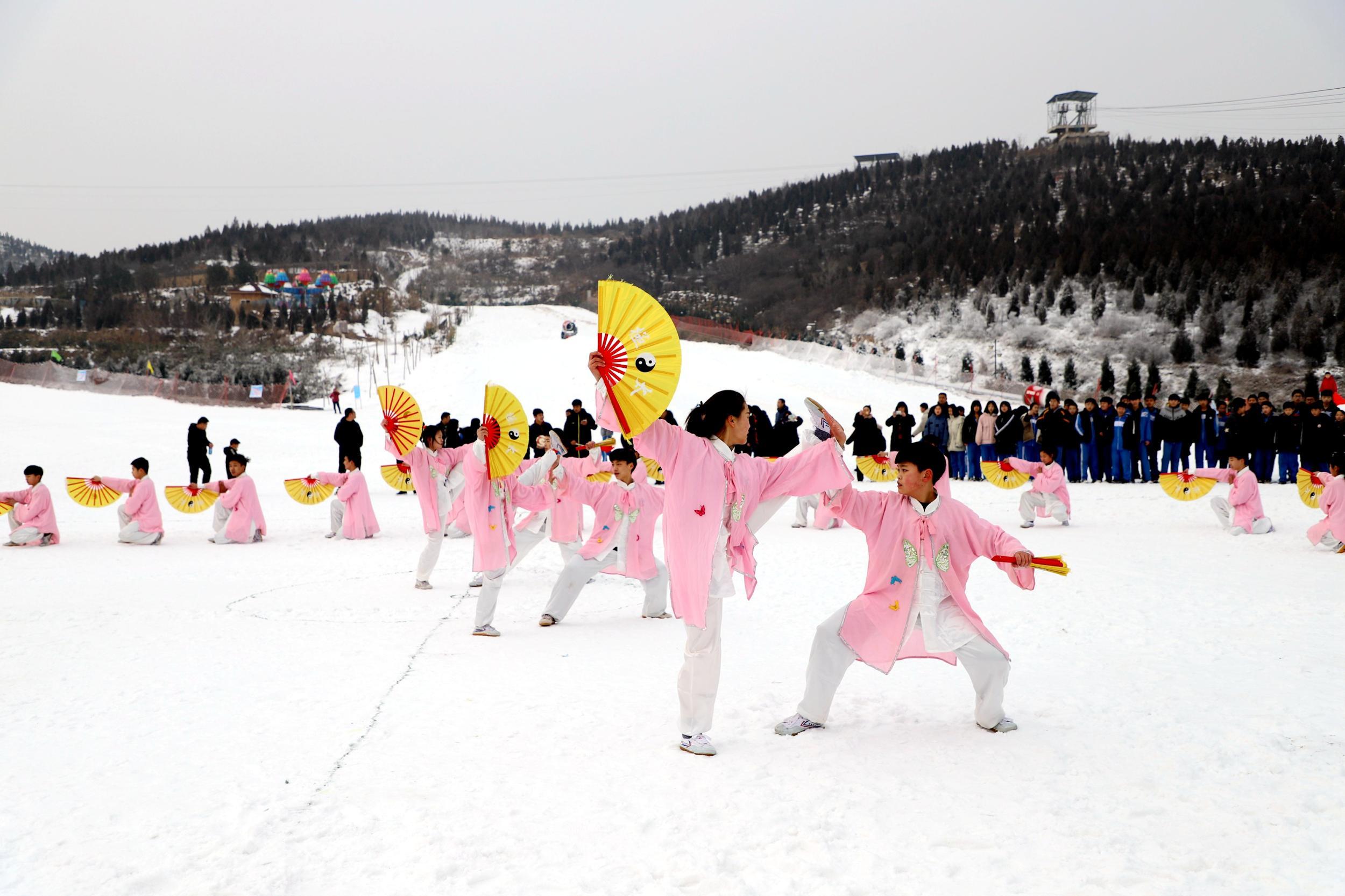 邯郸市永年区首届冰雪文化旅游节<br>暨全国青少年冰雪冬令营(永年站)正式启动