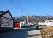 【为贫困地区送年货】涞源北辛庄村:搬进新民居的乡亲们想挂几个红灯笼热热闹闹过大年