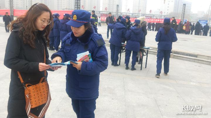 沧州市开展烟花爆竹禁售禁放宣传活动