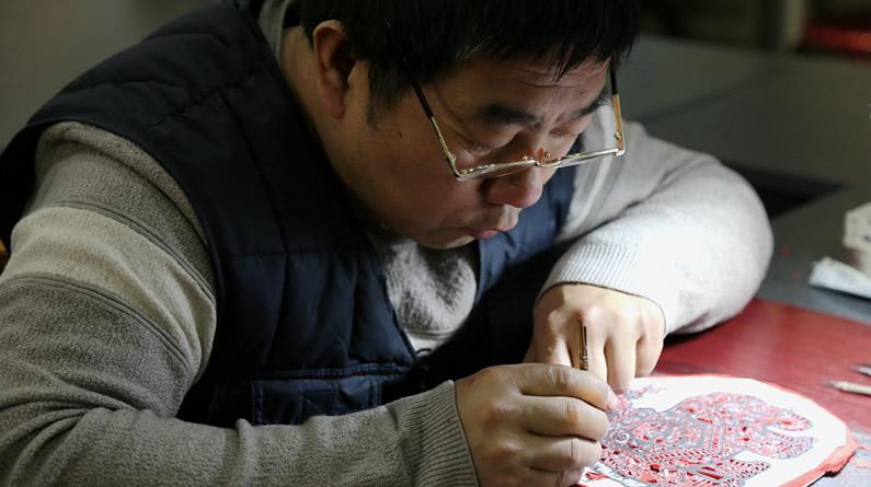 【新春走基层】高清组图:纸上神韵!看蔚县剪纸艺术魅力
