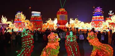 河北唐山:璀璨灯会迎新春