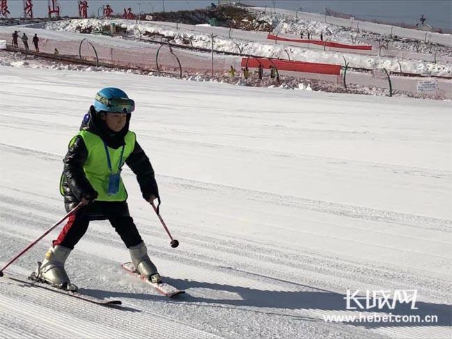 狼牙山兒童滑雪節舉辦