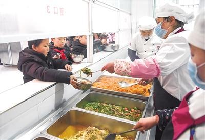 中小学生不爱吃食堂只是挑食吗?