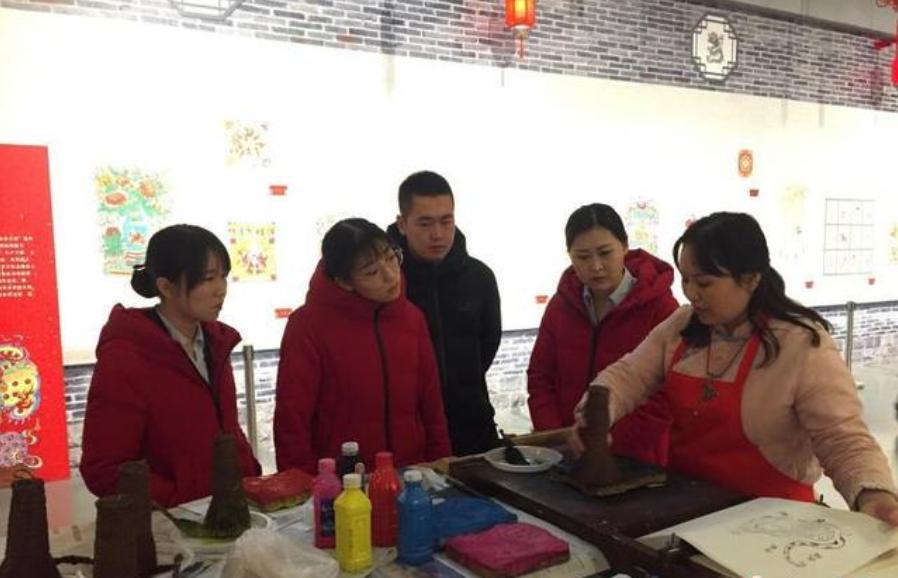 武强年画带着浓浓的年味走进北京