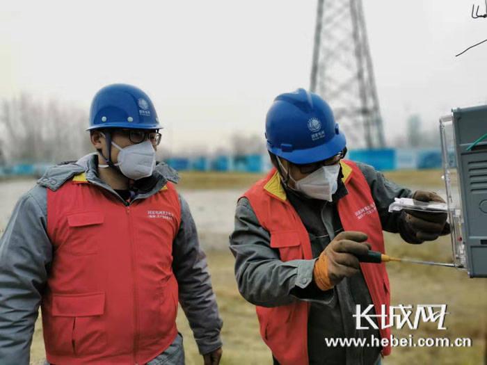 """【廊坊战""""疫""""】文安供电公司:临时电源安装快 防控用电有保障"""