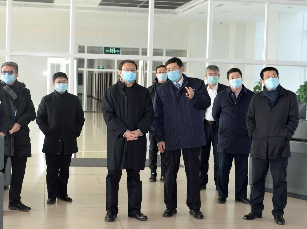张古江坚决打赢疫情防控的人民战争总体战阻击战