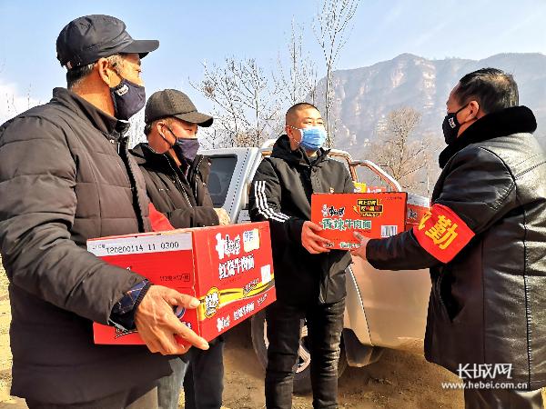 【记者走基层】邯郸涉县支部书记郭利军迎难而上服务村民