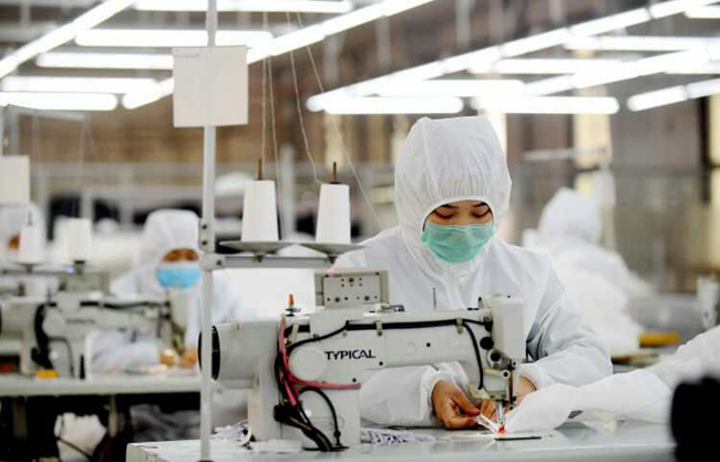 """【战""""疫"""" 市场监管在行动】邢台市新增 三家隔离衣生产企业"""