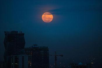 """""""超級月亮""""現夜空"""