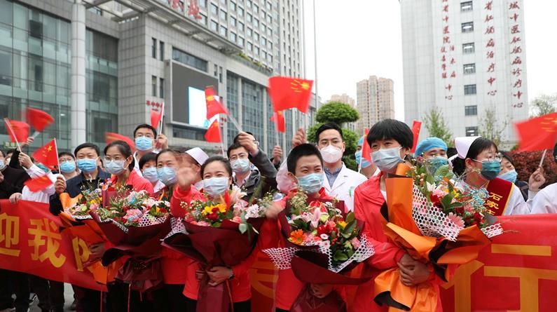 高清组图|欢迎回家!河北省中医院为抗疫英雄铺红毯