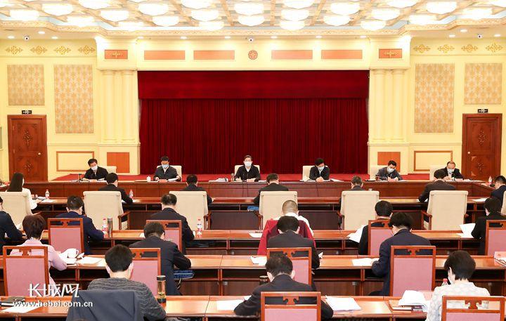 河北:党外知识分子和新的社会阶层人士座谈会召开