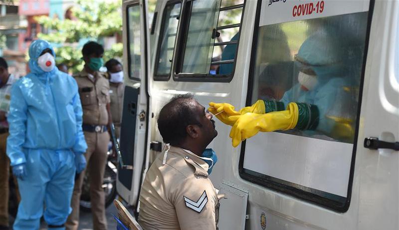 印度的流动新冠病毒检测车