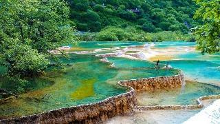 """24省份五一假期旅游""""成績單"""":3省份收入超百億"""