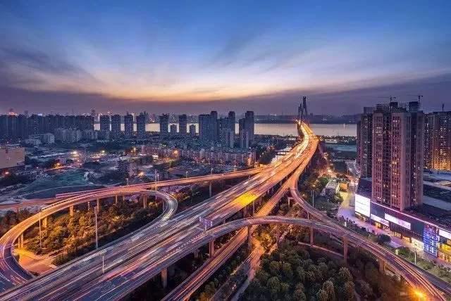 """經濟抗疫""""下半場"""",中國表現如何?來看這組數據"""