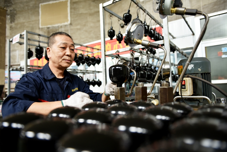 宣化:做優蓄能器產業推動制造業高質量發展