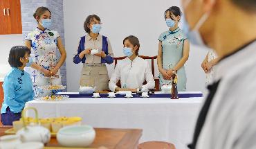 秦皇岛:职业教育展风采