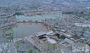 河北承德:銀裝素裹 水墨山莊