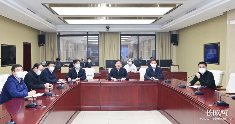 王东峰在省委指挥调度中心看望慰问值班值守人员并随机抽查工作