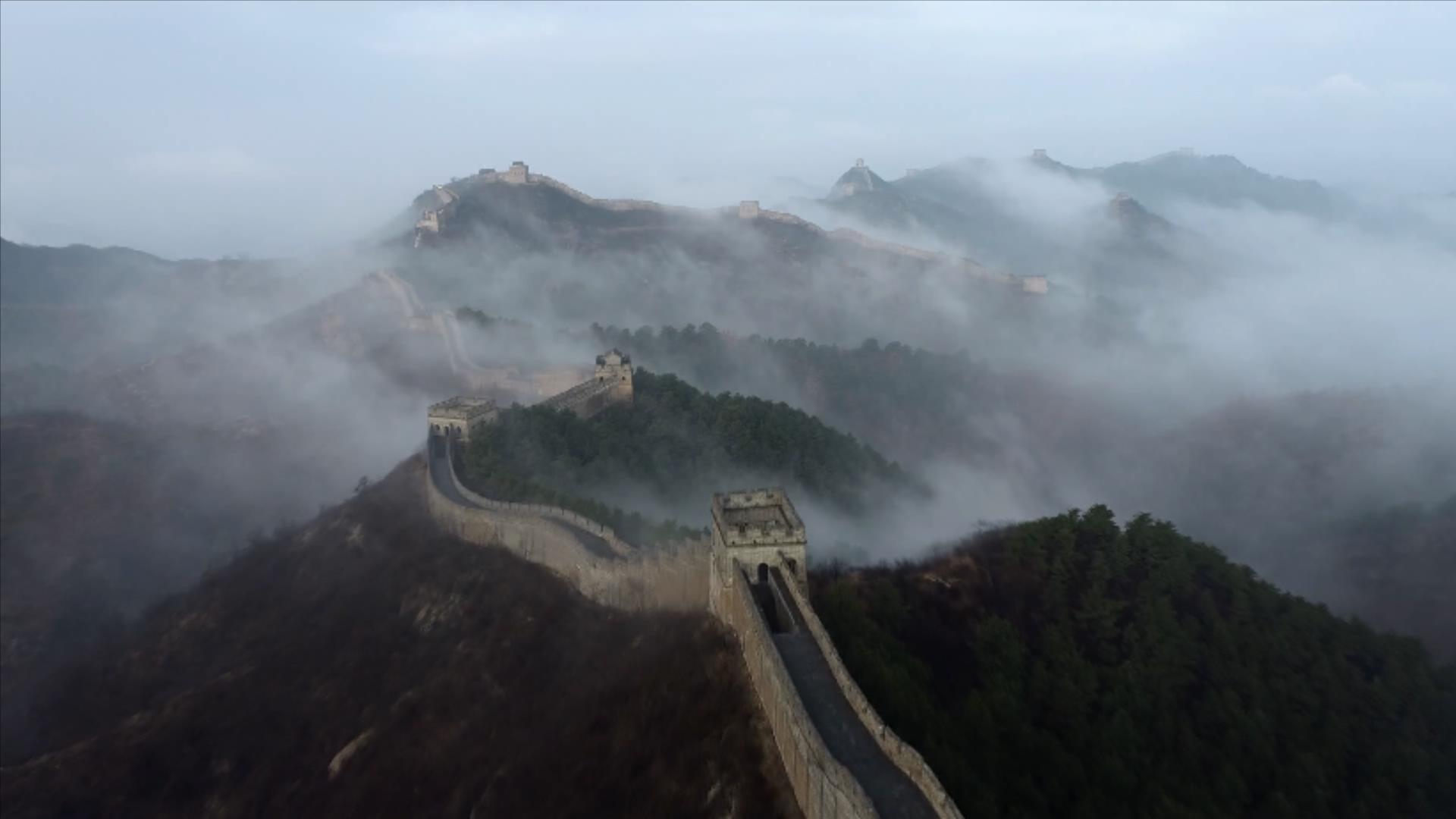 河北滦平:金山岭长城现云海奇观