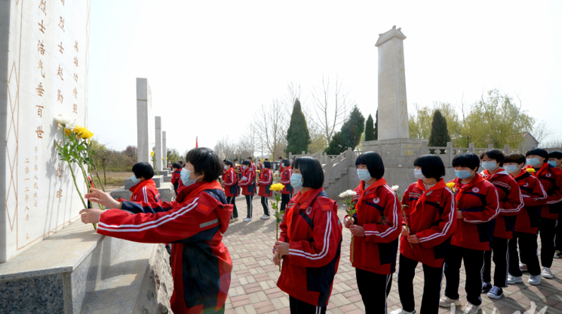 河北平鄉:各界群眾緬懷革命先烈