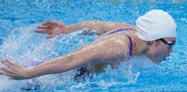 张雨霏200米蝶泳预赛游出世锦赛冠军成绩