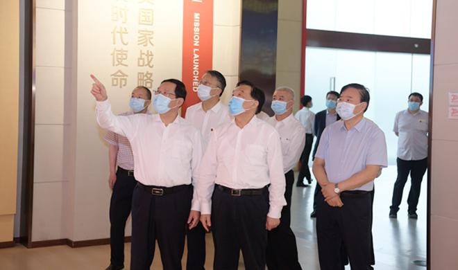 王晨在上海调研时强调 立法主动适应改革和经济社会 发展需要 为浦东新区高水平改...