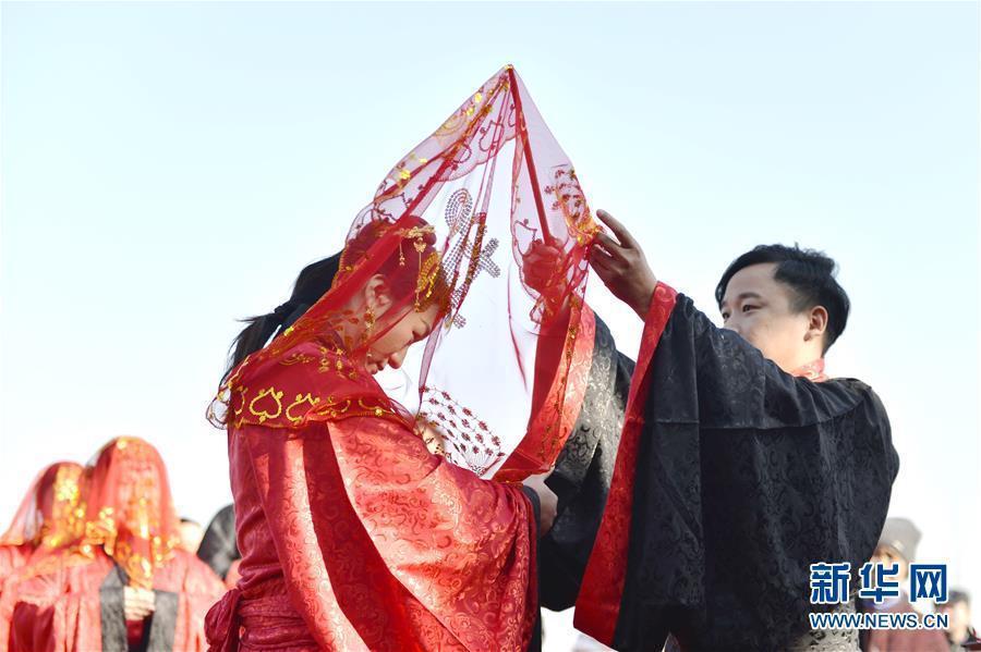 河北邢台市:汉式集体婚礼迎新春